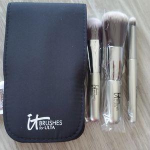 IT Cosmetic  3 Brushes Travel Set